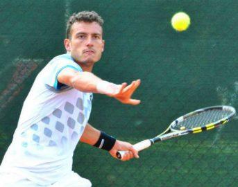Tennis, Alessandro Giannessi perde la finale e viene minacciato dagli scommettitori: la denuncia