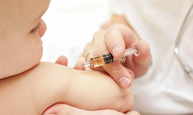 Il bambino che a causa della leucemia non puo vaccinarsi contro il morbillo