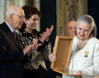 Laura Biagiotti funerali: folla di VIP per l'ultimo saluto alla Regina del Cashmere