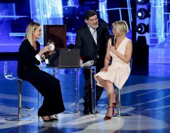 Simona Ventura condurrà sia Temptation Island Vip che Striscia la Notizia
