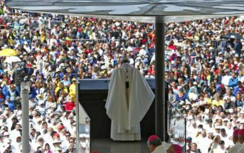 Papa Bergoglio a Fatima per la canonizzazione dei pastorelli Giacinta e Francisco
