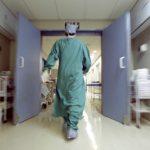 Parto cesareo ritardato per evitare straordinari, bimbo nasce con gravi lesioni