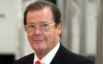 Roger Moore è morto: si è spento all'età di 89 anni, fu 7 volte James Bond