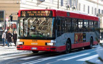 Roma molestie bus in pieno centro, ragazza subisce violenza: arrestato nigeriano