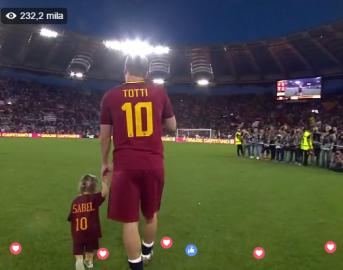 """Francesco Totti ritiro dal calcio, il discorso del Capitano della Roma: """"Mi levo la maglia per l'ultima volta"""""""