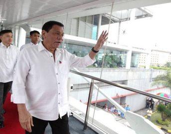 """Presidente delle Filippine Duterte invita i militari alla violenza carnale: ecco la """"battuta"""" incriminata"""