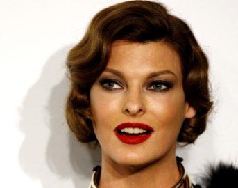 Linda Evangelista oggi, la super top model non è più top: la foto in cui appare irriconoscibile