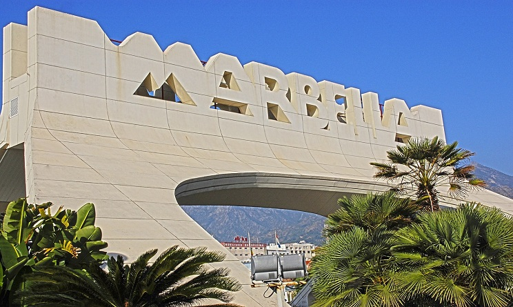 Marbella, auto sulla folla: paura terrorismo ma è scontro tra bande