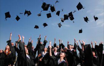 Stage retribuiti all'estero per laureati e studenti: 1800 euro al mese per lavorare a Londra