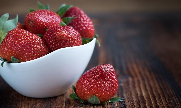 bevande detox fatte in casa, bevande detox fai da te, bevande detox frutta, bevande detox frutti rossi, bevande detox per dimagrire,