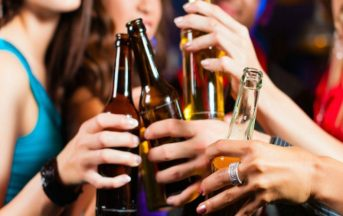 Abuso di alcol: negli adolescenti può modificare il cervello