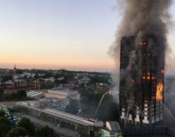 """Londra incendio al Grenfell Tower: """"Ci sono 58 dispersi"""""""