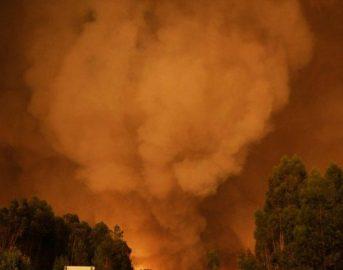 Portogallo, nuovo incendio vicino Pedrogao Grande: le fiamme avvolgono la terra lusitana