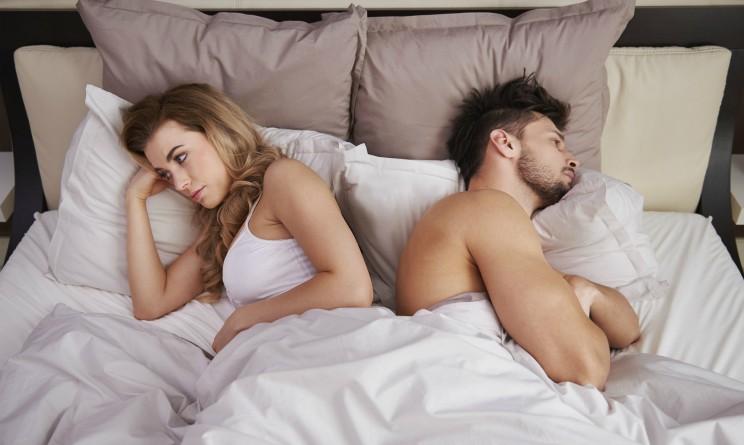 Sonno e piacere, dormire per almeno sette ore aumenta il numero di rapporti