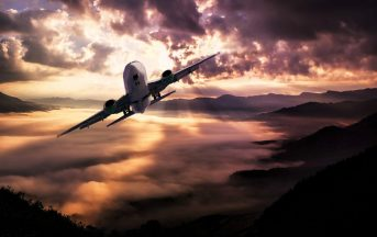 Ryanair offerte di lavoro 2017, al via i Cabin Crew Days: posizioni aperte per assistenti di volo