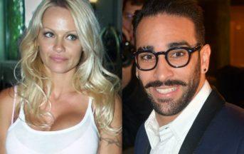Pamela Anderson ha un nuovo fidanzato: l'ex bagnina di Baywatch in compagnia di Rami