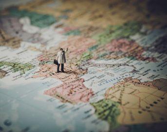 Lavorare all'estero in estate: offerte di lavoro dalla Svezia alle Canarie per diversi profili professionali