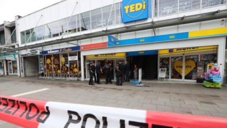 Attacco Supermercato di Amburgo: un morto e diversi feriti