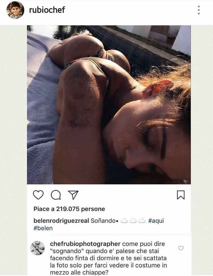 Belen Rodriguez, nella FOTO su Instagram in costume scompare… colpa di Photoshop