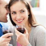 Coppia, per le donne, l'uomo che non beve vino è nosioso