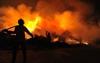 Francia, allarme incendi: nella notte evacuate diecimila persone