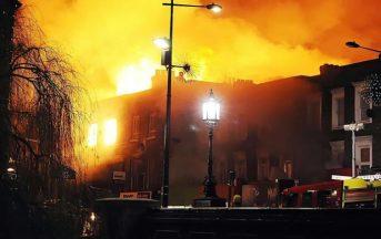 Incendio Camden Market a Londra: notte di paura, nessun ferito