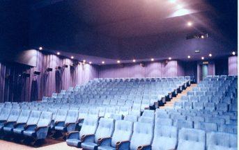 Roma, crolla il controsoffitto del cinema Eurcine: feriti tre operai