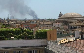 "Roma, incendio oggi tra Magliana ed Eur: ""Aria irrespirabile"""