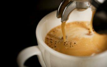 Caffè: berne molti potrebbe allungare la vita, lo sostengono due studi scientifici
