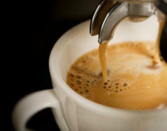 Aumenta il prezzo del caffè al bar: Torino la città più cara nel 2018 (FOTO)