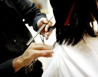 Tendenze capelli estate – autunno 2017: diventa trendy il fai da te con attrezzature professionali