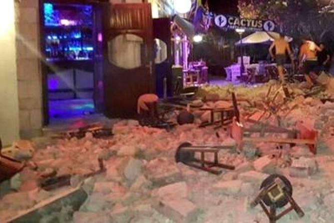 Terremoto in Grecia magnitudo 6.7 e mini tsunami a Bodrum