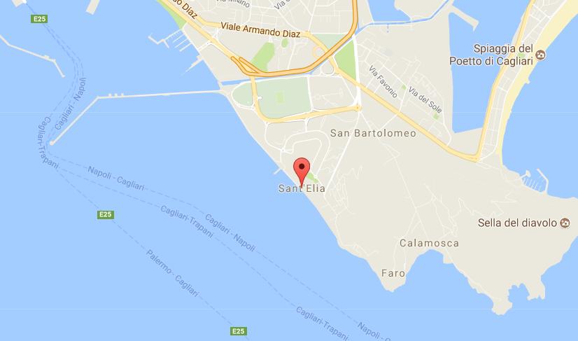 Gommone contro gli scogli nella notte a Cagliari, due morti