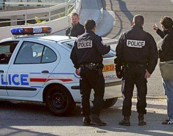 Marsiglia, furgone contro fermate autobus: una donna morta e un ferito, catturato l'autista