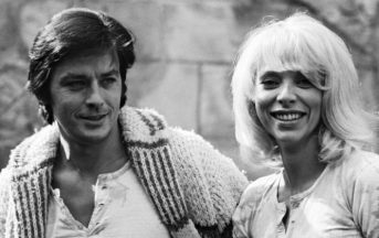 Mireille Darc morta: compagna di Alain Delon e icona del cinema francese anni '70