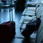 catania lascia figlio in aeroporto