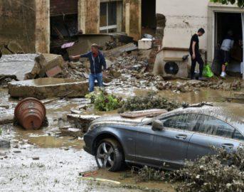 Alluvione Livorno ultime news: salgono a 8 le vittime, trovato il corpo di Martina Bechini. Il Ministro Galletti promette più soldi [VIDEO]