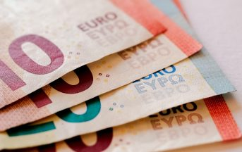 """Ultimi sondaggi elettorali, EMG Acqua: Pd vs M5s ma occhio alla coalizione """"No Euro"""""""