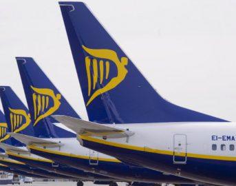 """Ryanair voli cancellati, indennizzi: come richiederli, i consigli dell'Associazione """"Codici"""""""