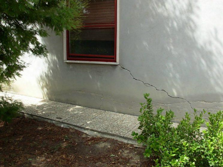 Crepe nel muro quali cause le soluzioni per risolvere il - Crepe nei muri interni pericolose ...