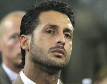 """Fabrizio Corona oggi, l'attacco a Formigoni: """"Io dal carcere pago le tasse, lui è libero"""""""