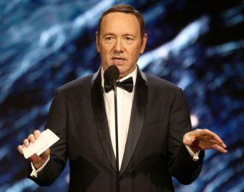 "Kevin Spacey fa coming out dopo le accuse di molestie ad Anthony Rapp: ""Sono gay"""