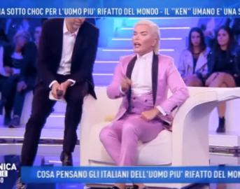 """Il Ken umano a Domenica Live si infuria con Antonella Borallevi: """"O esce lei o esco io"""" (VIDEO)"""