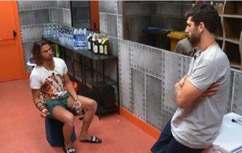 GF Vip 2, faccia a faccia tra Luca Onestini e Jeremias Rodriguez nella notte: i due concorrenti ai ferri corti