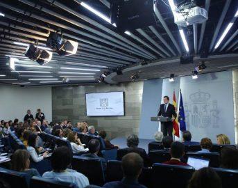 Catalogna: Madrid destituisce il governo di Puigdemont e applica l'articolo 155