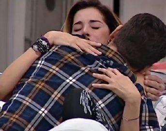Grande Fratello Vip 2, Aida Yespica e Jeremias Rodriguez sempre più vicini: la showgirl non vuole tornare con il fidanzato