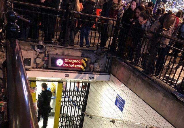 Londra, evacuata stazione Oxford Circus: persone in fuga dalla metropolitana