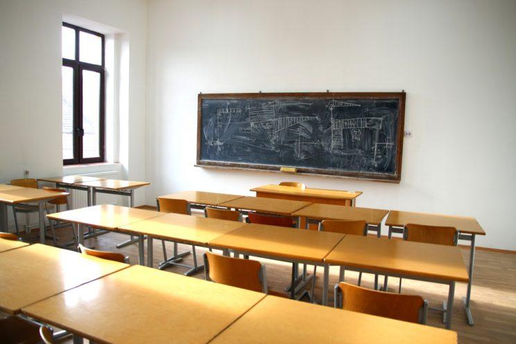 scuola docente aggredito