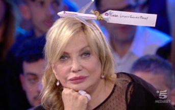 """Simona Izzo contro Cecilia Rodriguez: """"Che sai fare, cosa vai a fare in una serata in discoteca?"""""""