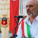 Pirozzi, sindaco Amatrice: «C'è il rischio che finita l'emergenza le casette dei terremotati vadano agli immigrati»